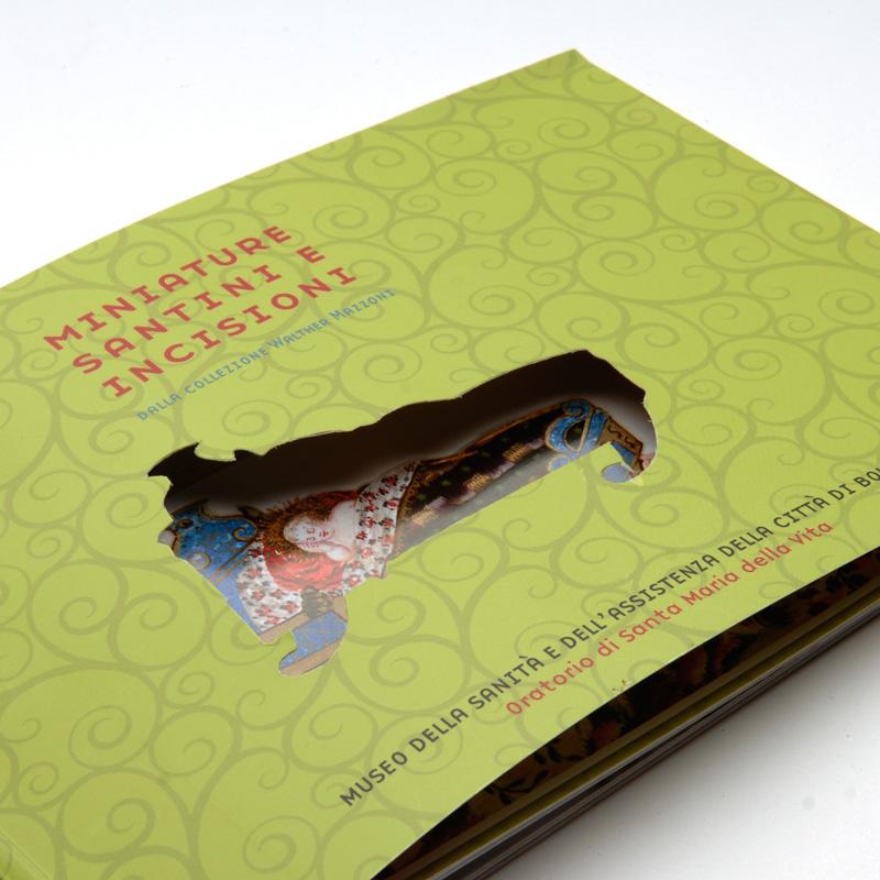 Libro con fustella